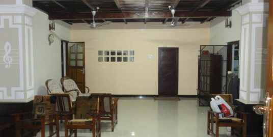 31 Cents Plot with Family home in Prime Location for Sale at Kayamkulam, Alappuzha