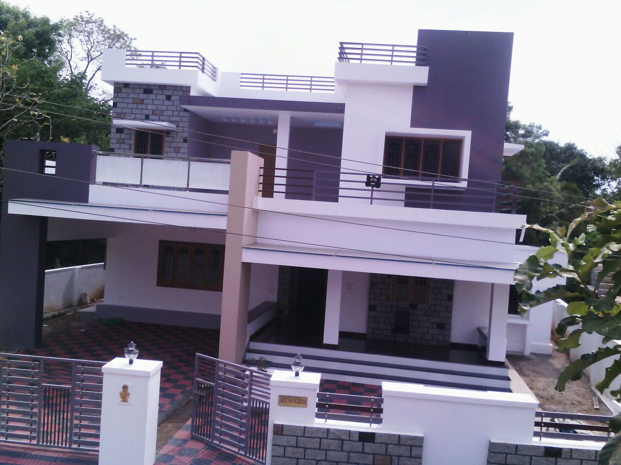 10 cent Land with 3300 sq.ft New Contemporary House For Sale at Thannissery, Palakkad