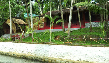 Roomys Nest Ashtamudi Homestay for Sale at Ashtamudi backwaters Near Mahindra Resorts, Kollam