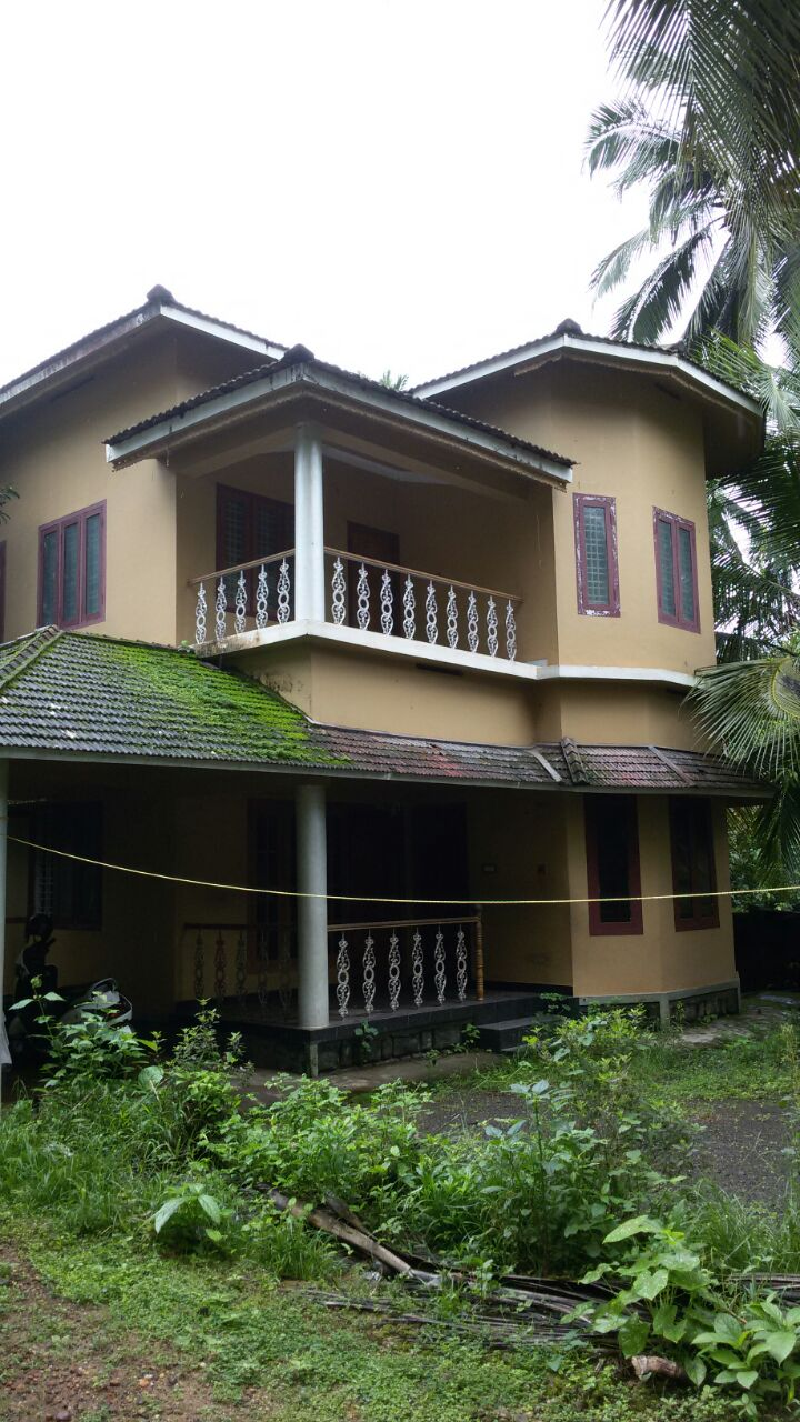 4 Bed Room House For Rent At Chathamunda,Near Uppda, Edakkara