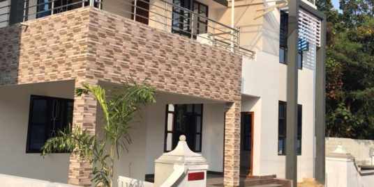 Independent villa with modern amenities for sale at Kochi