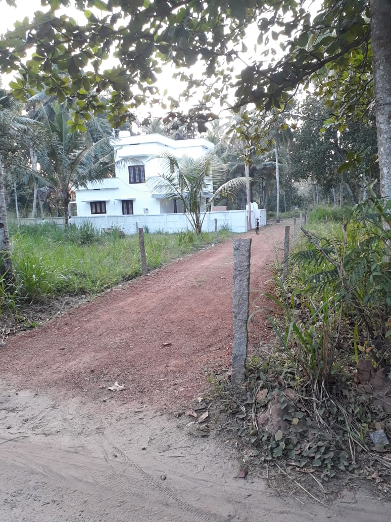 Housing Plots For Sale at Mukkada Junction Near to Oachira Town