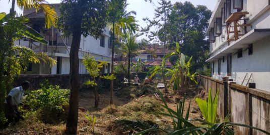 9.1 Cents Residential Plot For sale  at Peshkar Road, Near Koodalmanikyam Temple, Irinjalakuda, Thrissur District, Kerala