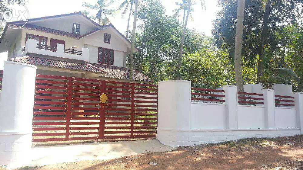 4 BHK House 20 cents of land For Sale at Puthenkulam, Kollam