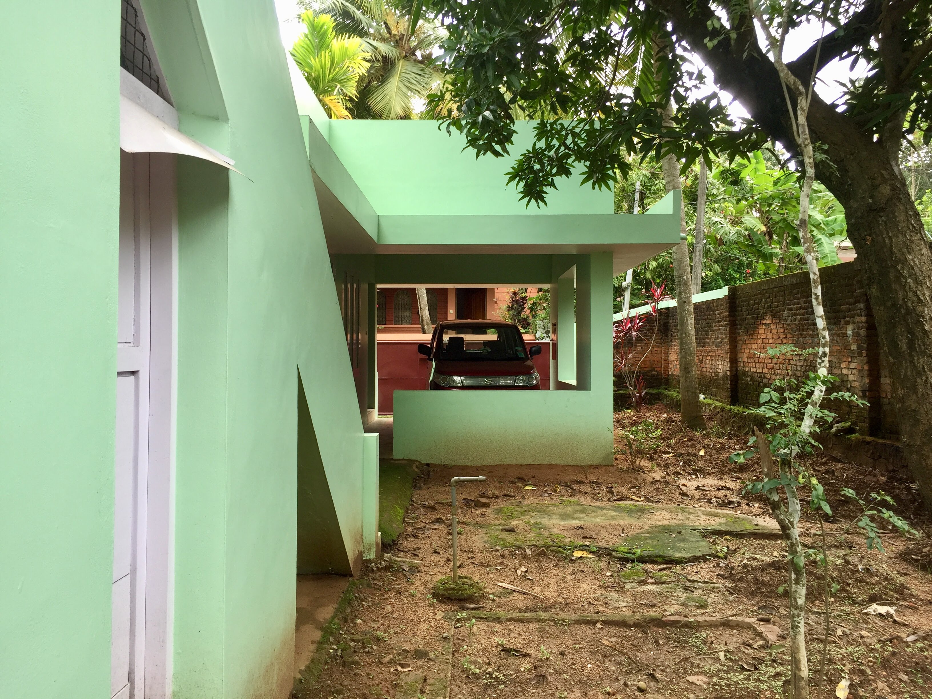 Beautiful House on 10 Cents land in Nettayam, Trivandrum for immediate sale