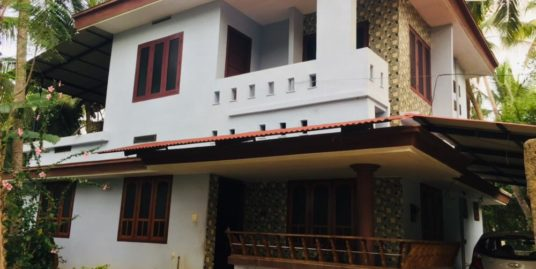 1400 sqft 4 BHK Beautifull house in 5.5 Cent  For Sale at Thrissur