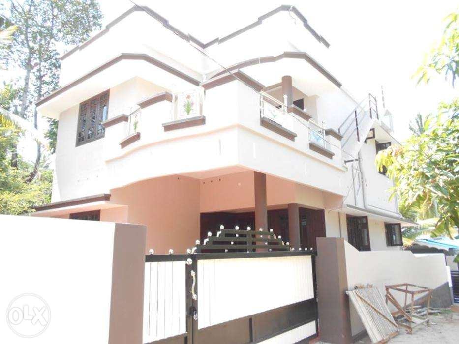 4 Bedroom House for lease or sale in Pallimukku, kollam