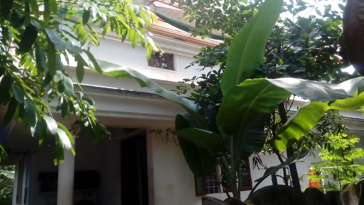 4.75 cent plus 2BK House for sale at Irinjalakuda
