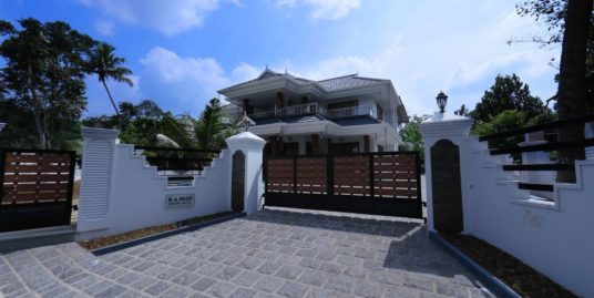 New Independent 3300 Sq Ft house, 4 Bed rooms for Sale at Kaninadu, Kochi, Kerala 682310, India