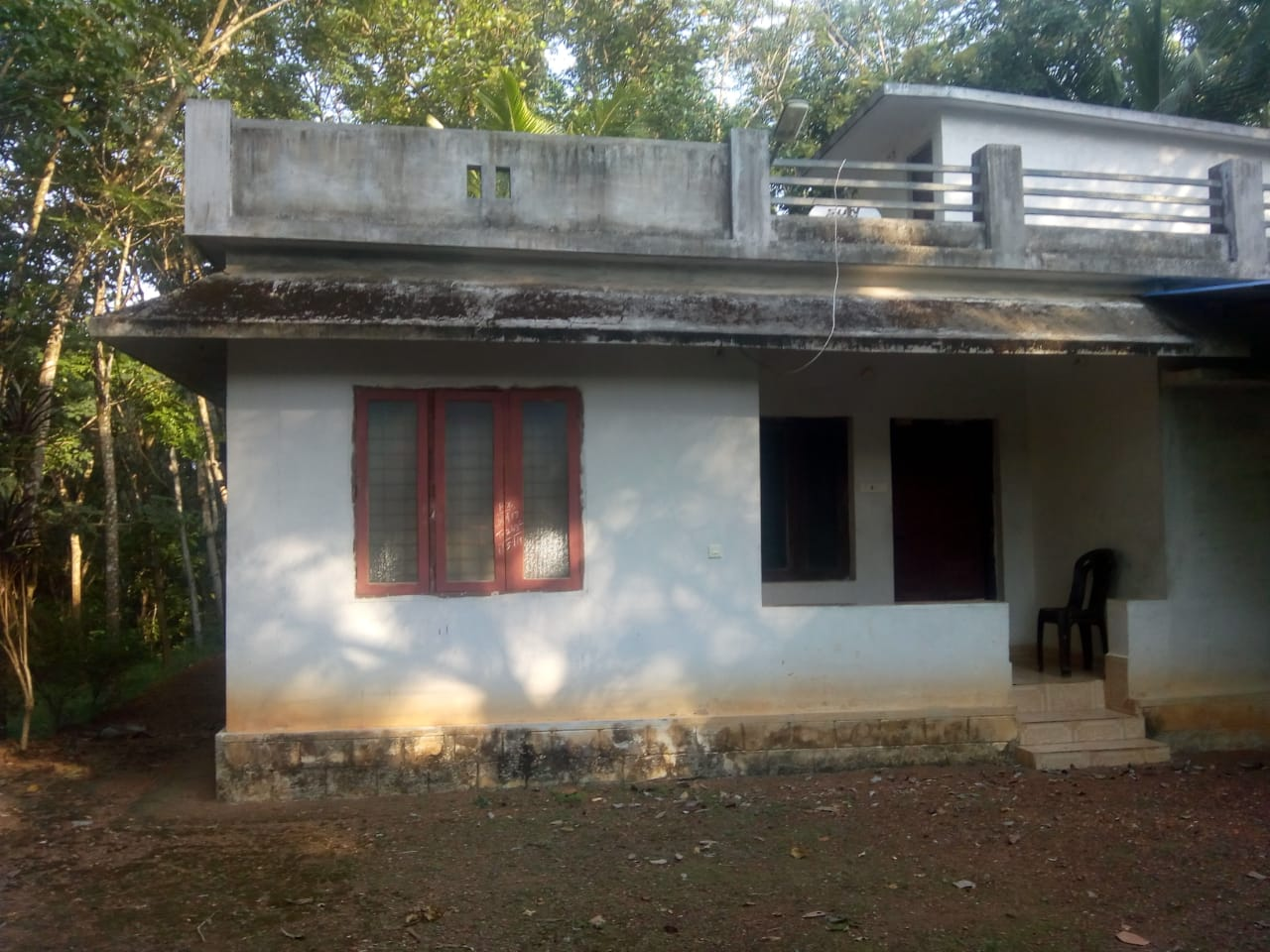 House with Land for Sale at  Elampallil near Vanchimukku Temple, Peringanad, Kerala 691551, India