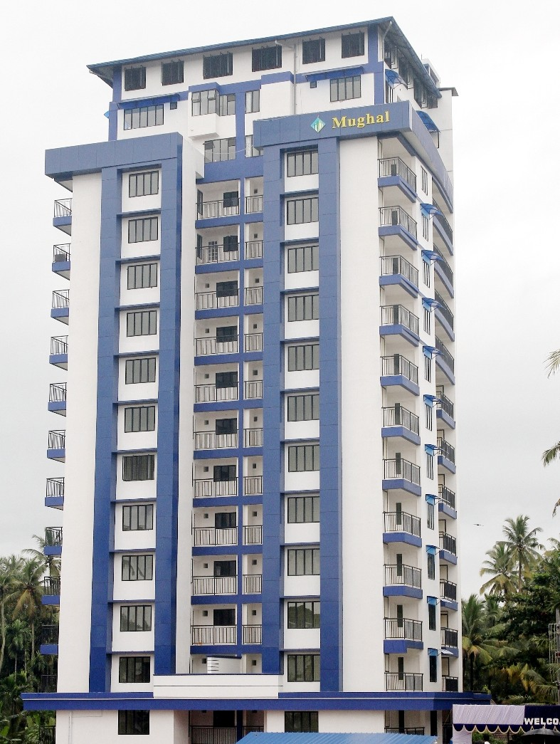 2 BHK flat with 3 balconies in shopping Mall compound – Urgent sale at Kodungallur