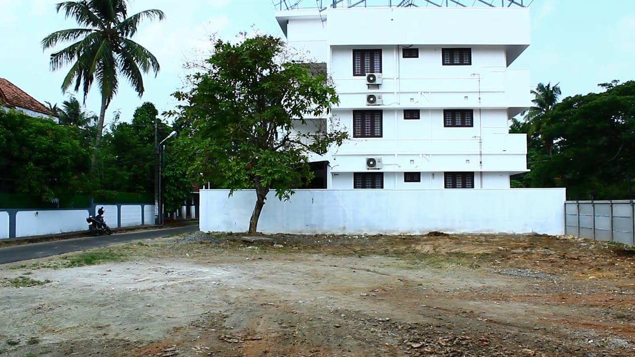 10 Cents Rectangular Plot Out For Sale At Kadavanthara, Kochi