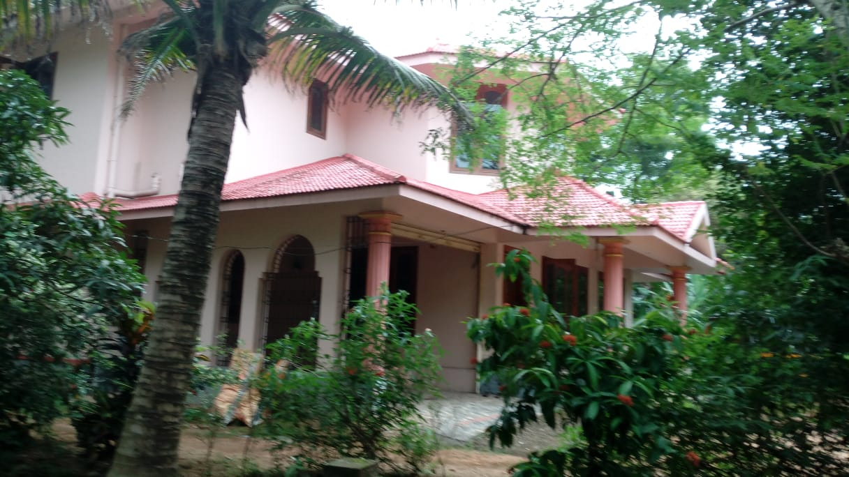 Newly constructed Two Storied Villa available for rent at Adoor