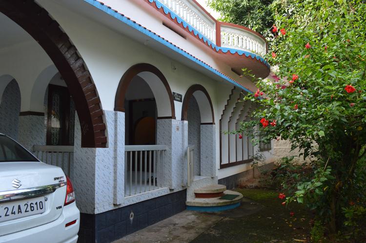 20 Cent land with luxury one storey house for sale, Chadayamangalam, Kollam.