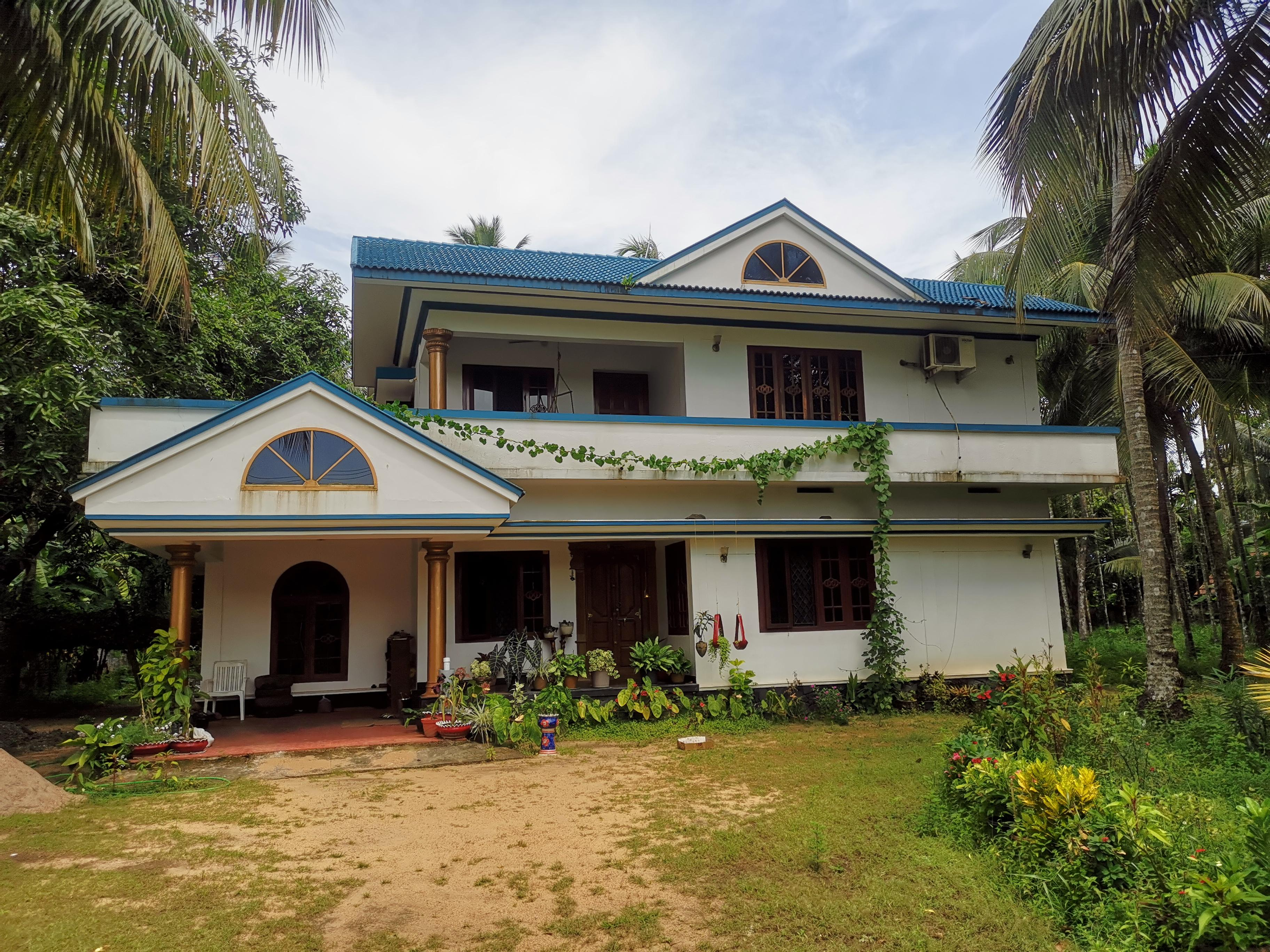 4 BHK Villa in 80 cents land for Sale in Valapad, Thrissur