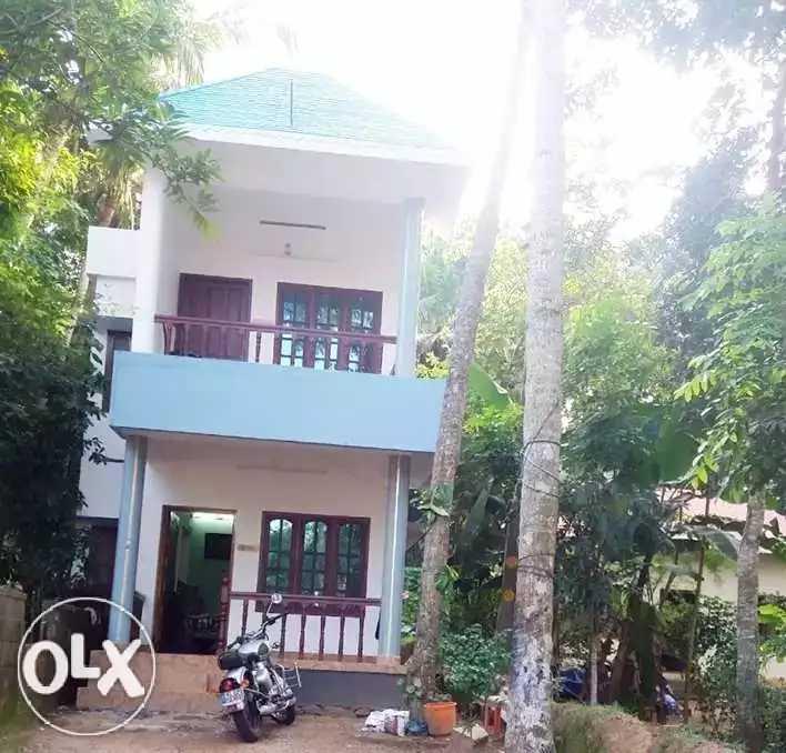 10 Cent Plot and 4 Bhk House for Sale near G H S S Thonnakkal, Thiruvananthapuram
