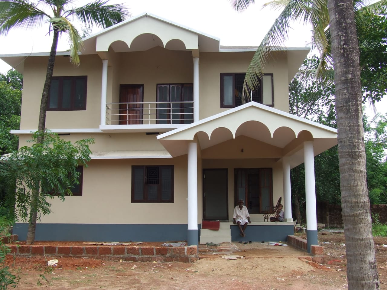 Pilathara-3-bedroom two storey house for rent