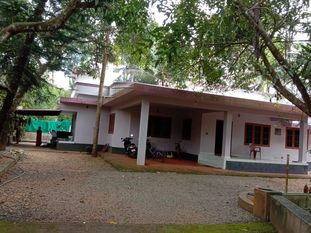 3000 Sq. Ft. 3 BHK house, Outhouse with 70 cents land for sale at Kakkoor