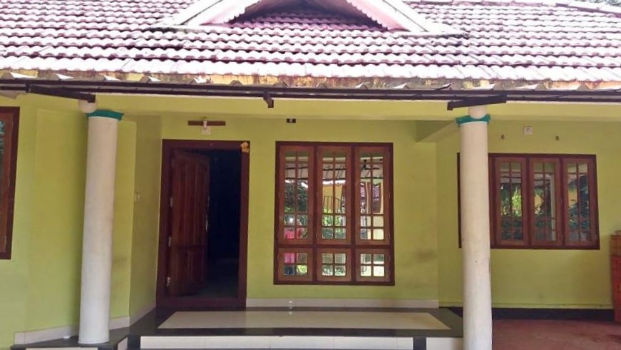 A spacious 3 BHK House with 10 cents Plot.