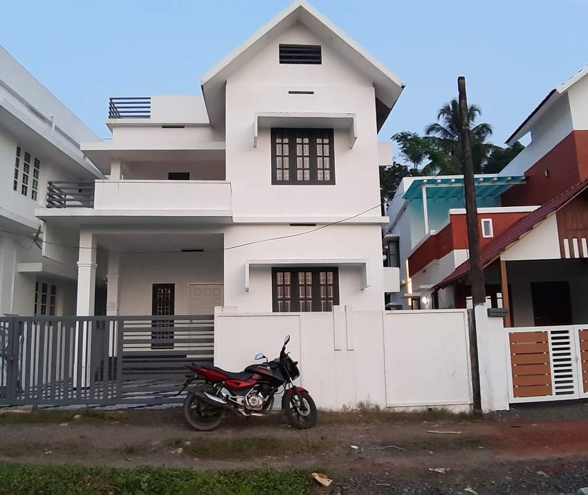 Independent house for sale at Kakkanad, Irumbanam