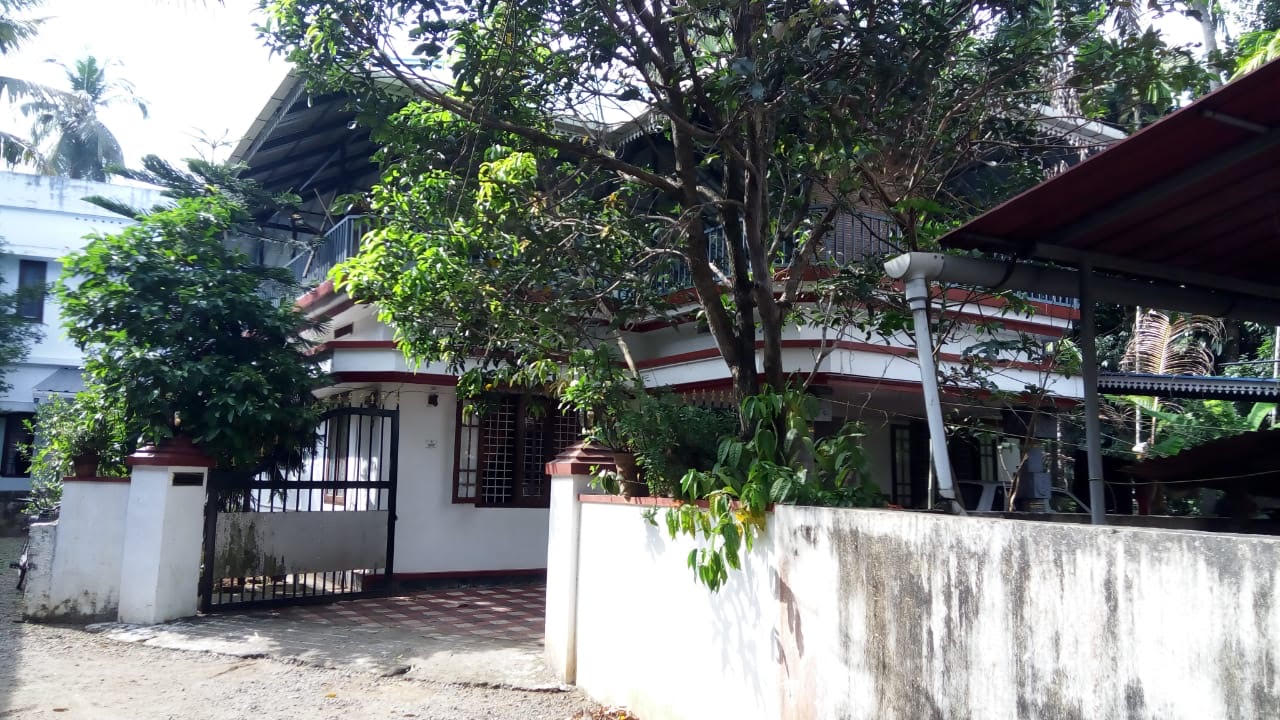 Independent Villa in Kalady for Sale