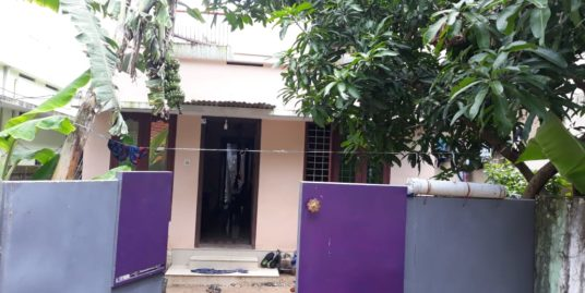 2bedroom, hall, common toilet, 4sided compound wall, well, car acess,prime location in Uliyakovil, Kollam, Kerala, India-for sale for 26 lakhs