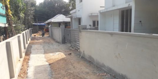 5 Cents and Villa for Sale in Aluva Kalady route