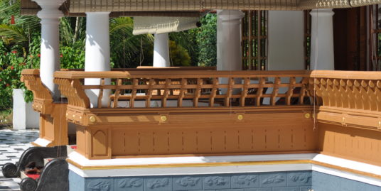 Beautiful Villa with Naalukettu and Nadumuttam for Sale At Kottayam