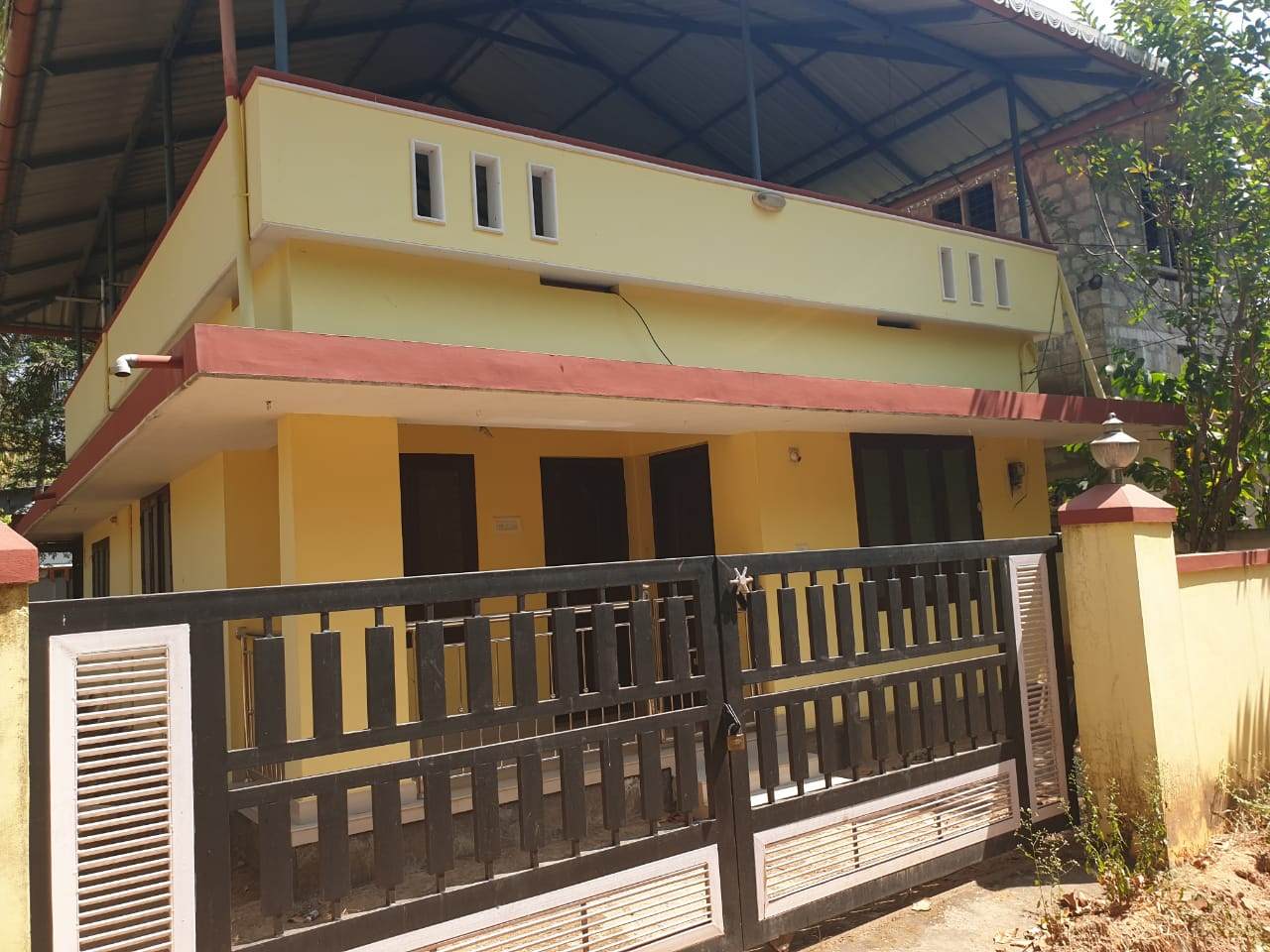 House For Sale At Kechery – Manali, Thrissur for Price Rs.2300000
