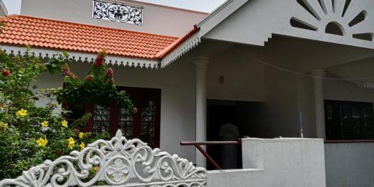 3 Bedroom,2 Bath House for sale in Kuzhupilly, Edavanakad,Vypin,Kochi.
