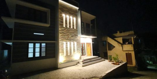 Villa with 1800 sq. ft. for sale in Kazhakkoottam city. My new house for sale is 4 bedrooms with bathroom attached.