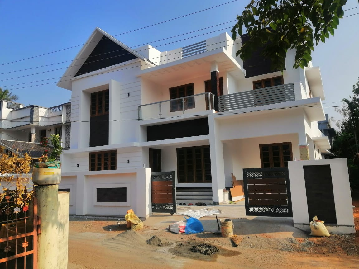 4 BHK LUXURY RESIDENTIAL VILLA FOR SALE IN KALATHODE