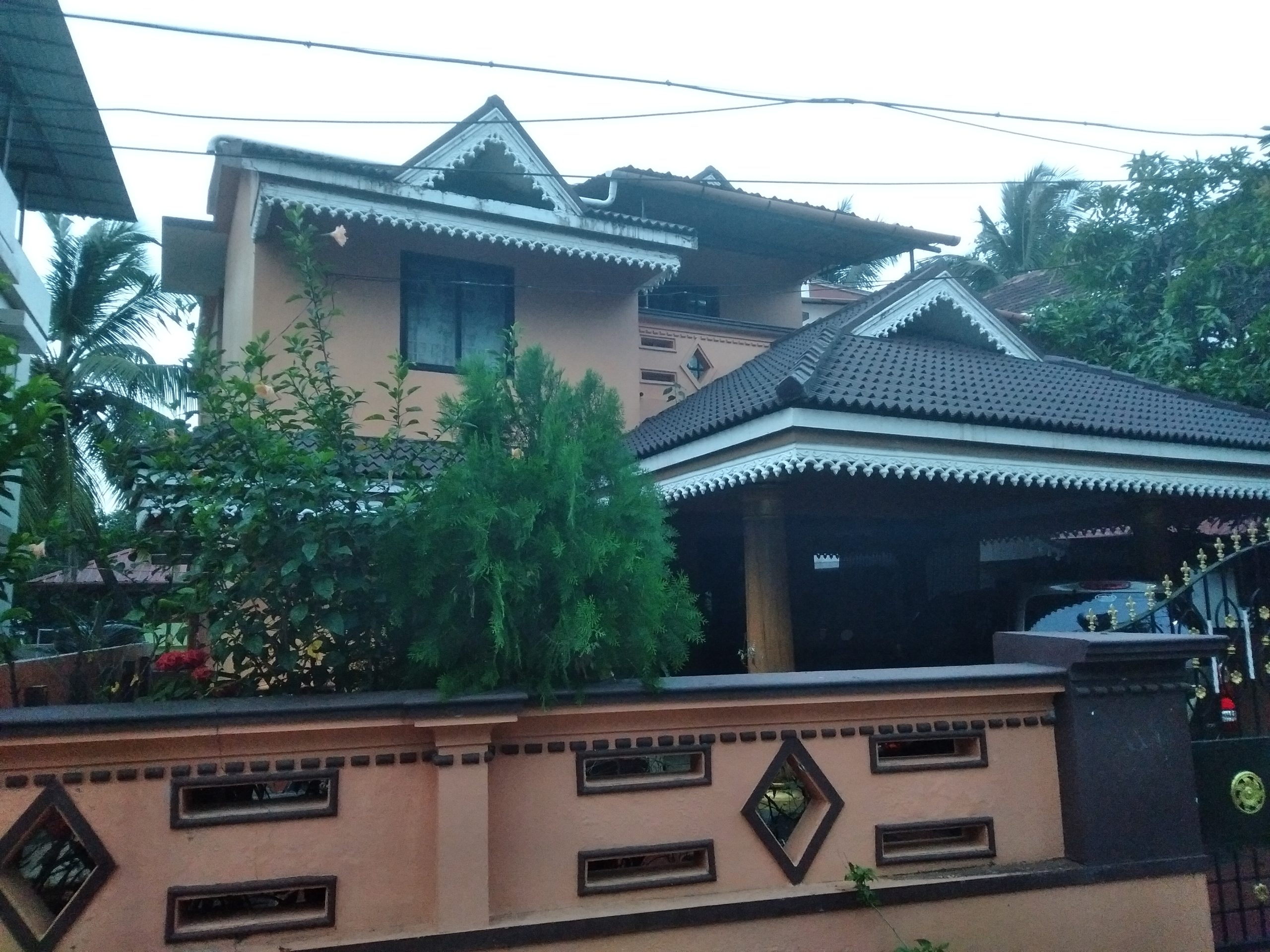 Independent house, 1550 sqft , 4 cents for sale at Palakkad town