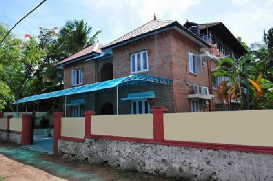 Large 2 Storey Property with multiple amenities for Sale