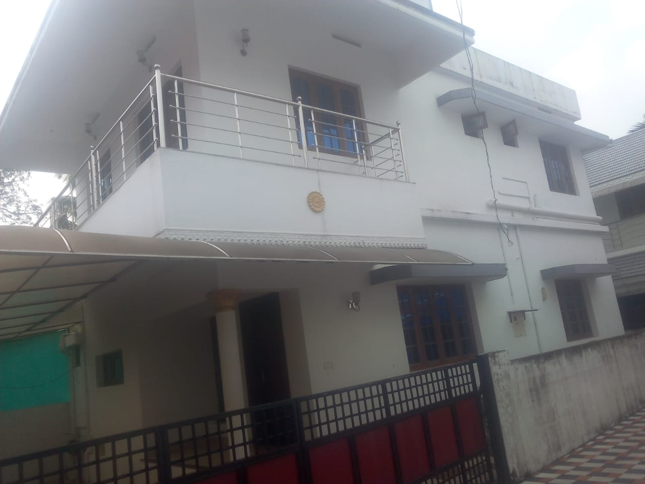 4 Bedroom Villa for Rent in Vytila Edapally Road, Ernakulam