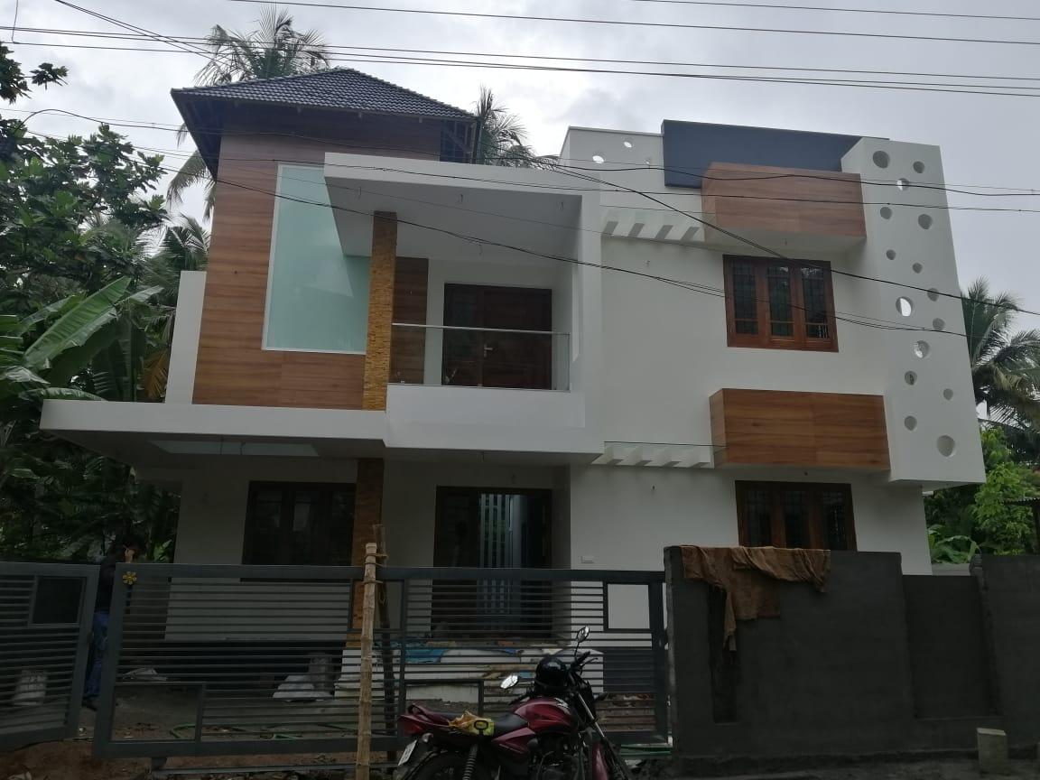 4 Bed, House/Villa for Sale in Kuttur,Thrissur