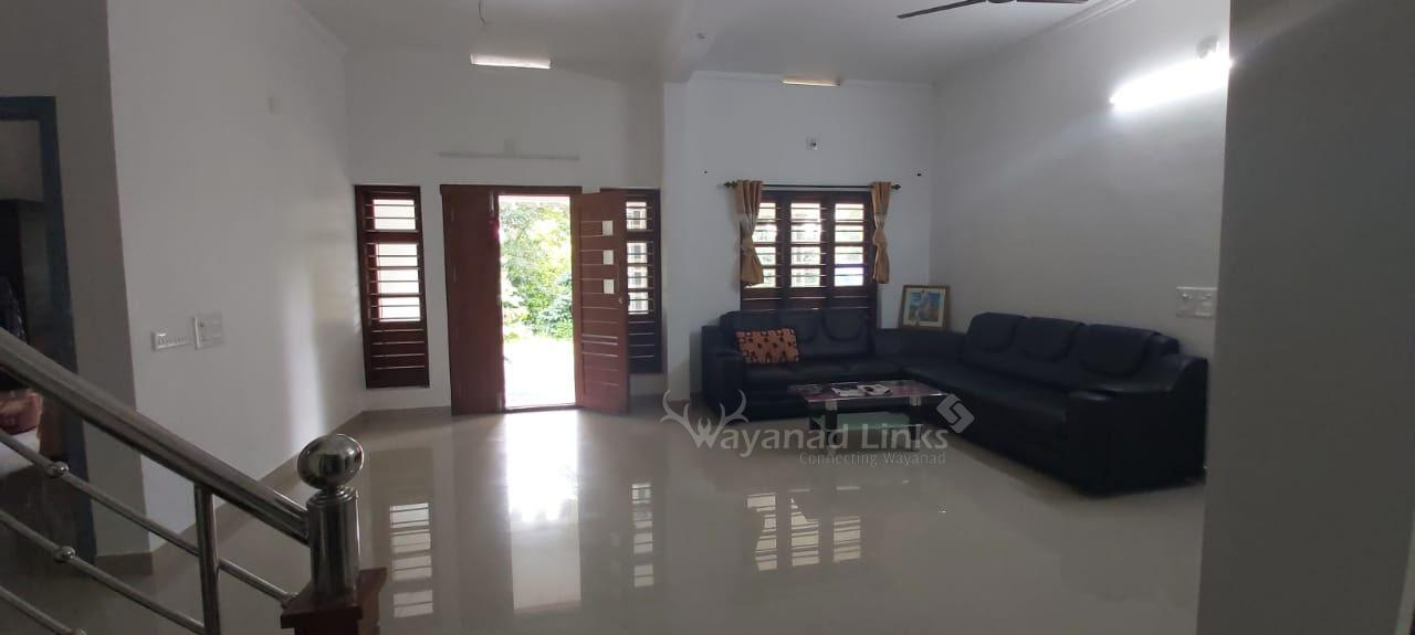 1500 sqft house and 10 cents land for sale in Kanyampatta Kollivayal