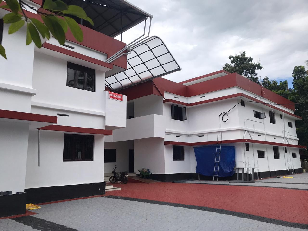 NEW LUXURY FLAT FOR RENT (2BHK & 1BHK) AVAILABLE IN KAIPAMANGALAM, THRISSUR