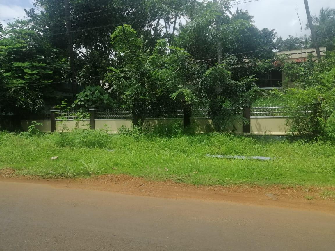 Residential land for sale Valiyalukkal