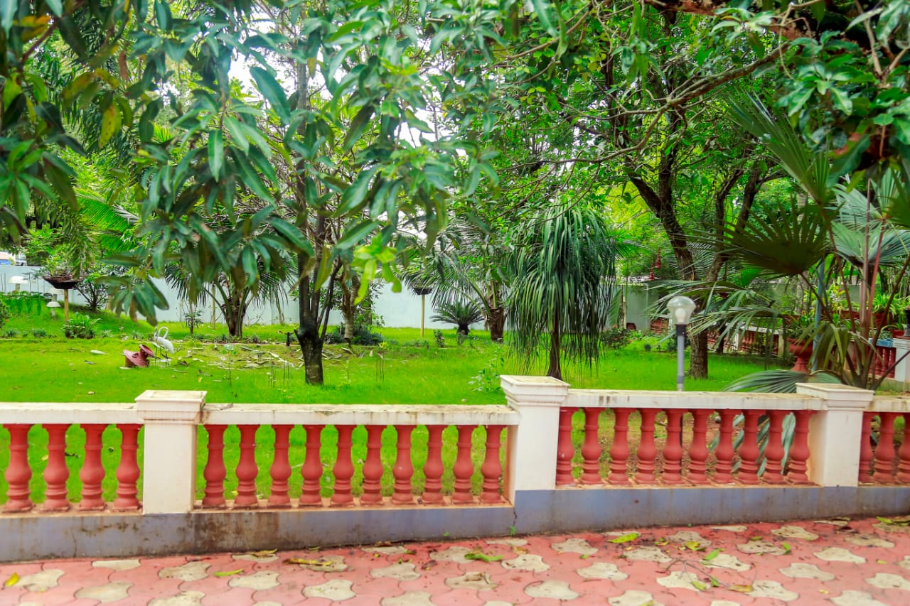 5 bhk House 7500 Sq.Ft in 50 Cents Land for Sale in Kolazy,Thrissur