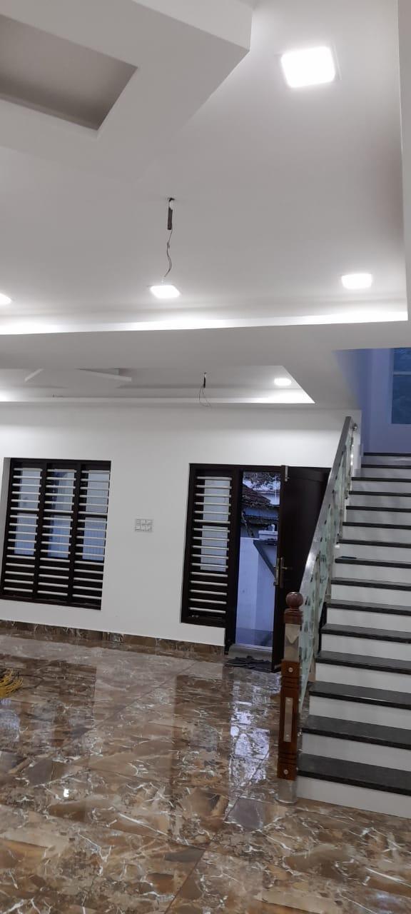 അരൂർ ബൈപാസ് ജംഗ്ഷൻ അതിന്റെ സമീപം നാല് സെന്റ് സ്ഥലം