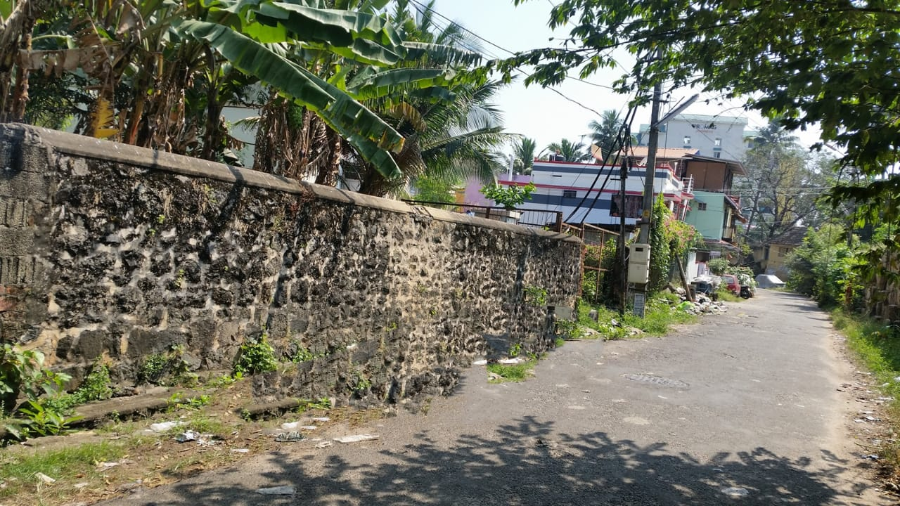 5 Cent Plot For  Sale Near West Fort Trivandrum, 300 Meters From Sree Padmanabha Temple