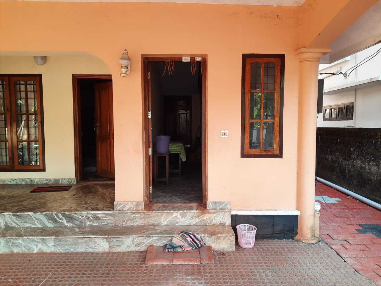 3Bed 2Bath 1st Floor for Rent in Perunna